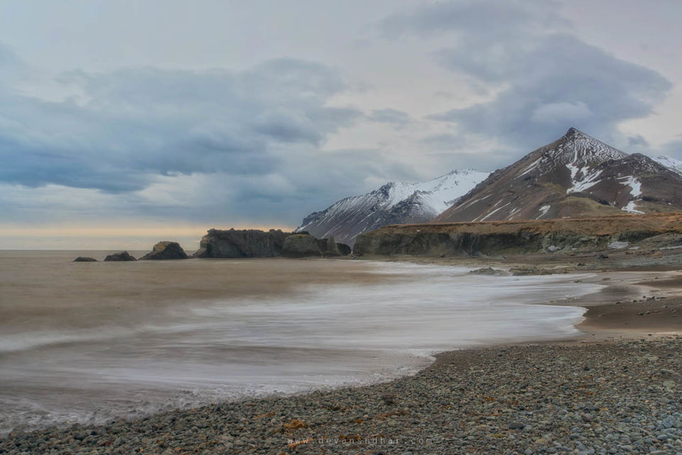 Introspective views on Laekjavik beach